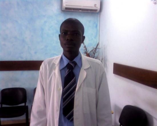 Dr AMANI au cabinet